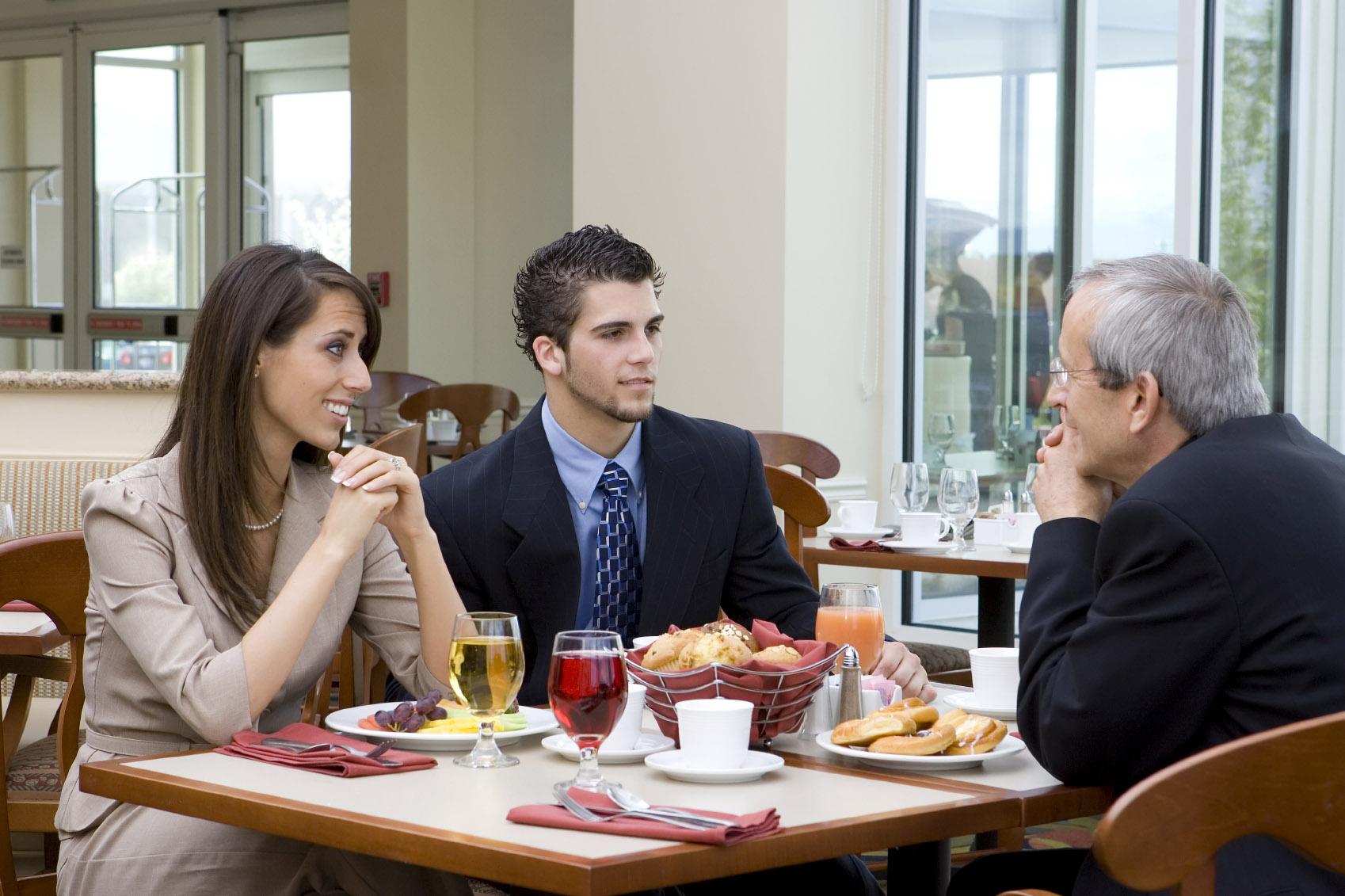 business lunch etiquette