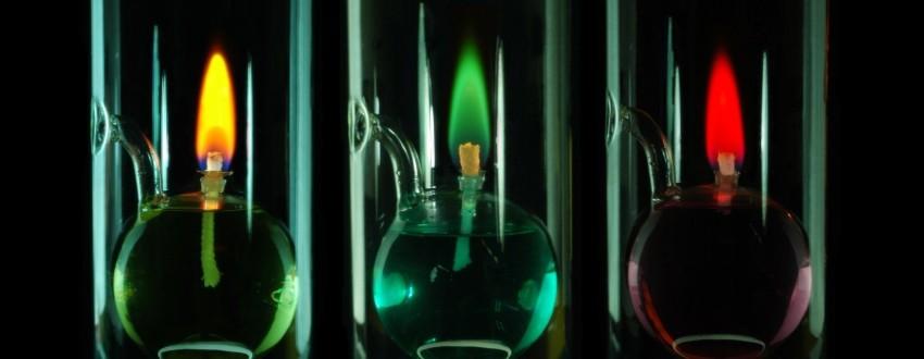 Идеи бизнеса — Изготовление свечей с разноцветным пламенем.