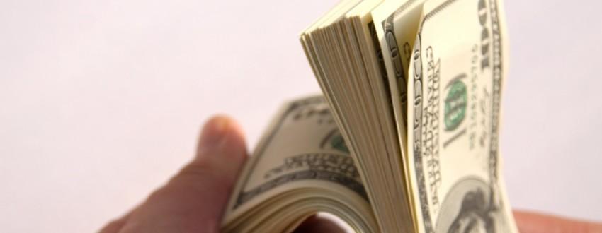 Стоит ли давать деньги в долг?