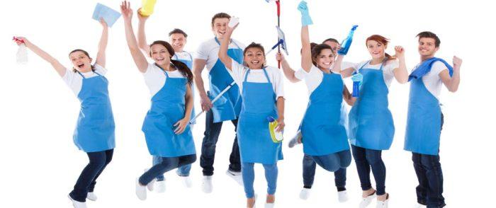Работники клининговой компании
