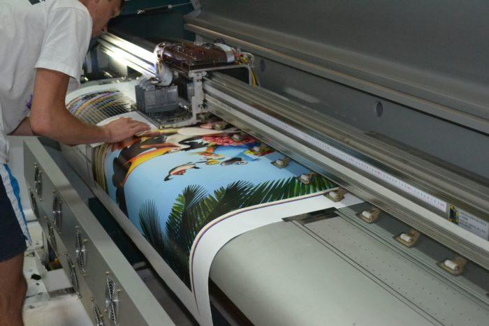 Печать на широкоформатном плоттере
